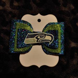 2/25 Seahawks hair bow